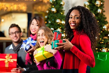 5 tips to stay on budget throughout the holiday season